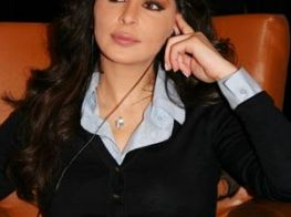 Elissa's New Album @ Virgin Mega Store